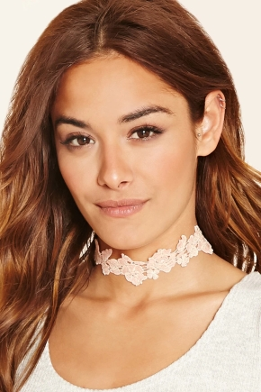 Latest Obsessions: Lace & Floral Chokers