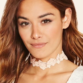 Latest Obsessions: Lace & FloralChokers