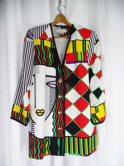 statement-jacket-printed-colorful-kamea-morgan