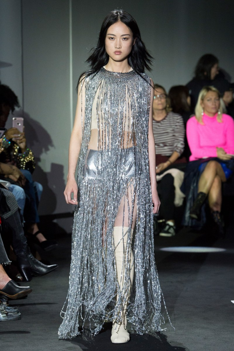Runway Inspiration: Enough Fringe For All Of Us!