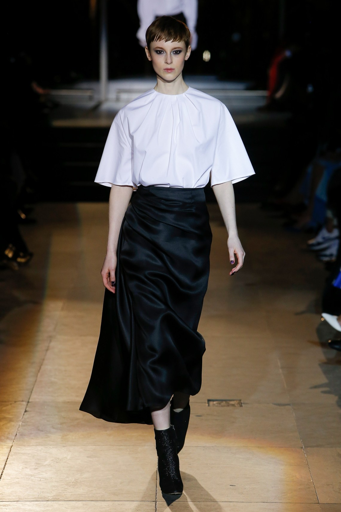 carolina herrera- fall 2018 ready to wear colelction- how to style a black skirt