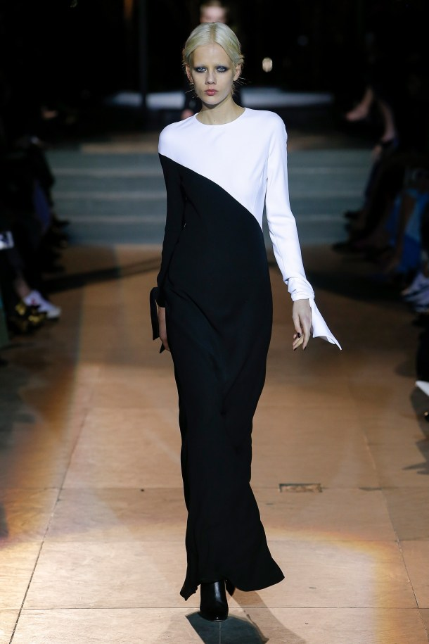 carolina herrera- fall 2018 ready to wear collection- black and white outfits 2