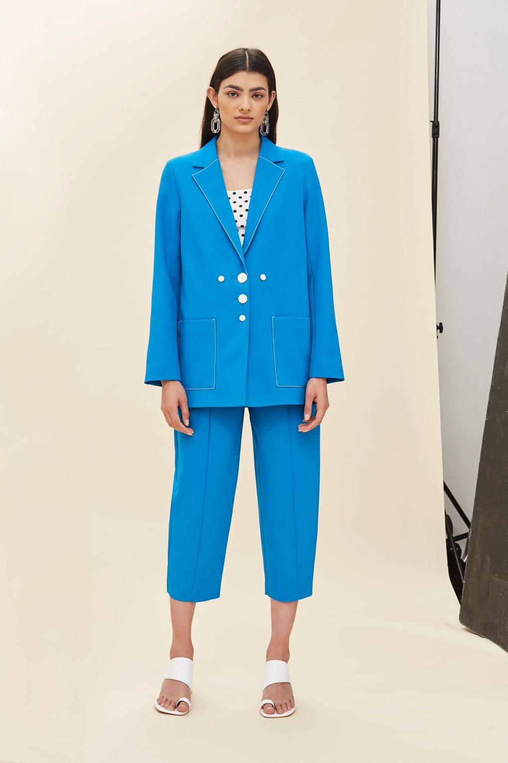 HOW TO STYLE A SUIT -topshop.jpg
