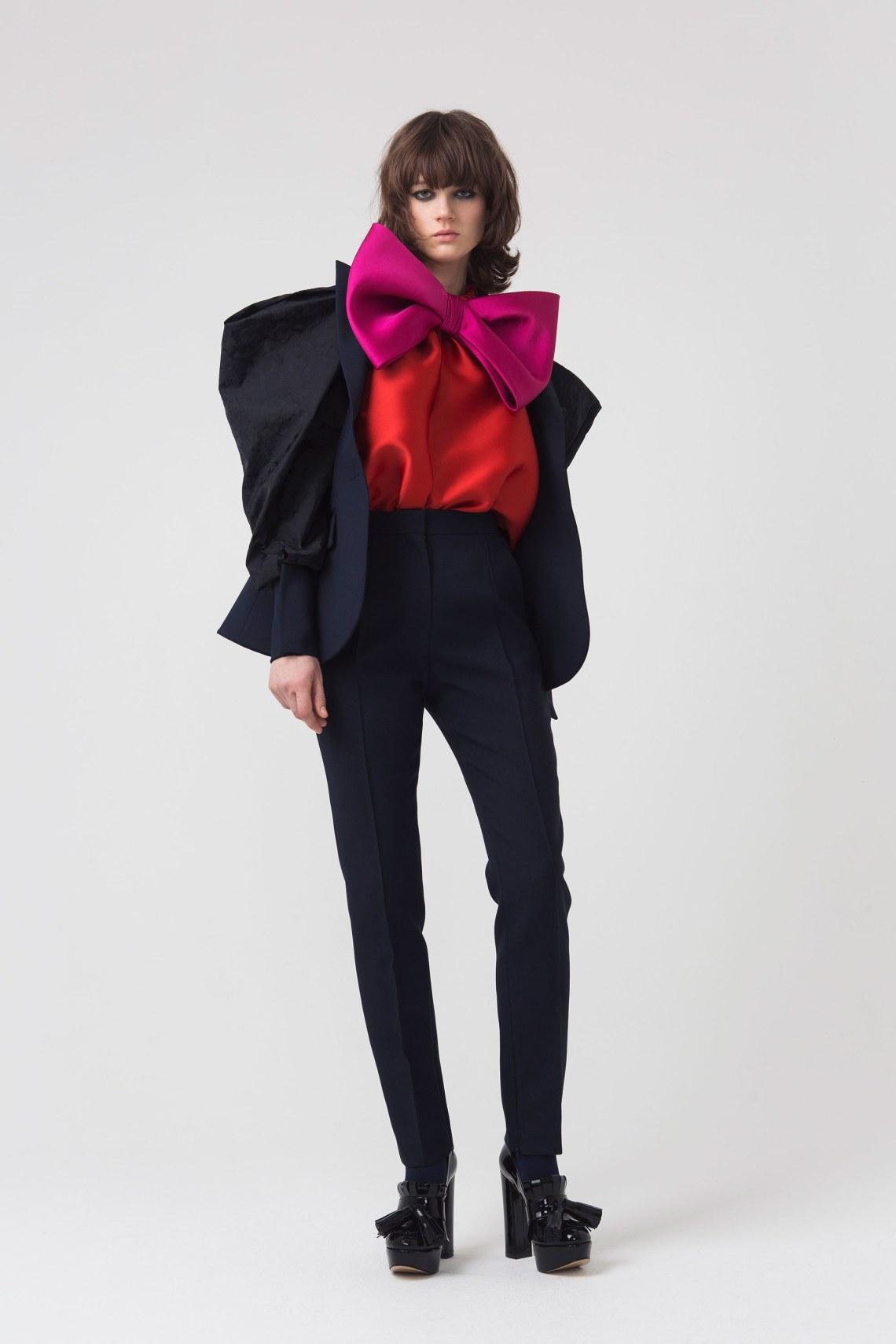 dice-kayek-fall-2018-how-to-wear-oversized-jacket.jpg